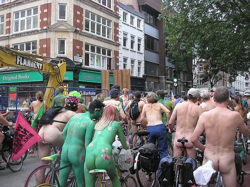 ciclista nu